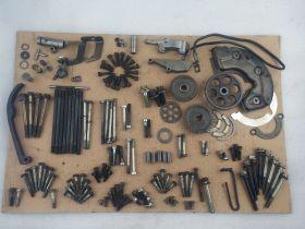 крепеж (винты), втулки, шестерни на мотор YAMAHA V-MAX 1200, успокоители цепи ГРМ, провод массы  Yamaha  VMX1200 Vmax
